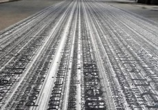 [ENG] Text(e)~Fil(e)s is a monumental 252-m-long floor ribbon, on which thousands of text lines (literature, poetry, philosophy…) in relation to the Palais Royal proliferate, at different scales. The Palais-Royal,...