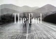 [ENG] The film installation The End(less) employs thousands of movie end sequence that Pascal Dombis has collected from all periods of cinema history: from the earliest black and white films,...